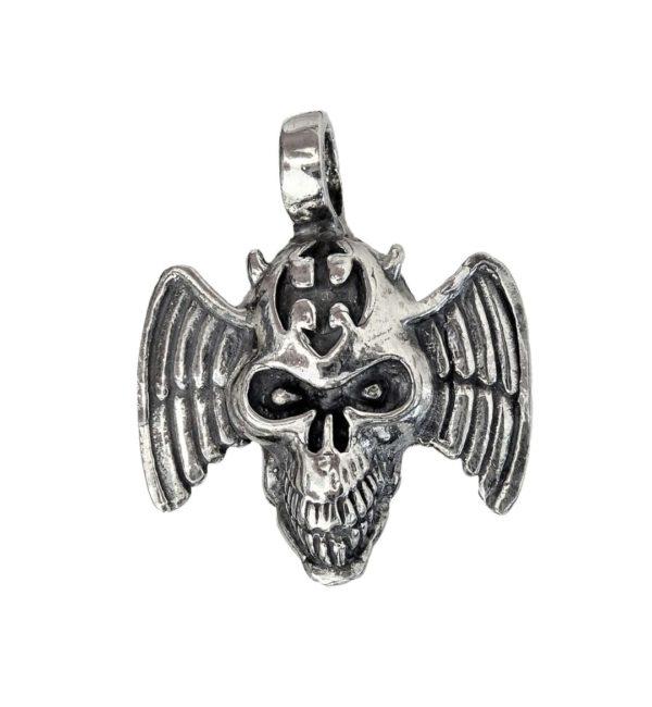 Pendant flying skull
